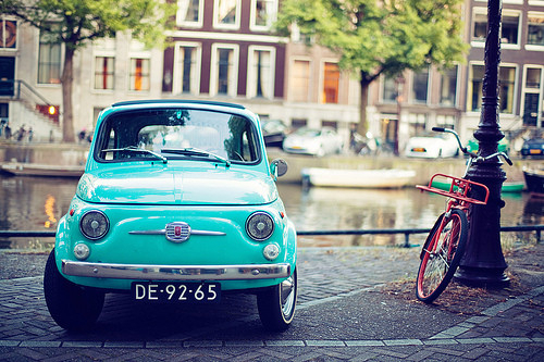 Bike-blue-blue-car-car-cute-oldschool-scenery-vintage-Favim.com-798489
